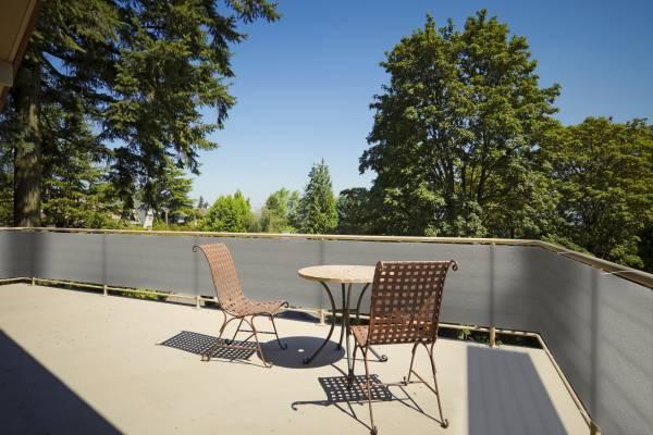 Balkonsichtschutz aus HDPE-Gewebe mit Metallösen und Kordel - Farbe grau