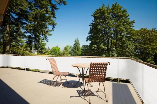 Balkonsichtschutz aus HDPE-Gewebe mit Metallösen und Kordel - Farbe cremeweiß